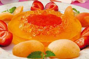 Желе с клубникой и абрикосами