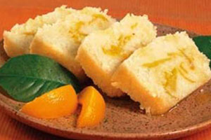 Рулет из риса с персиками