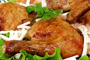 Курица, запеченная с сыром сулугуни