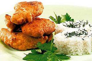 Курица, жаренная в тесте, с рисом