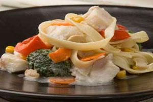 Лапша с треской и овощами