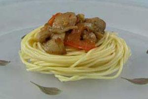 Спагетти с соусом из баклажанов (2)