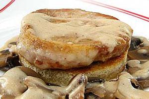 Свиные розеты с грибами