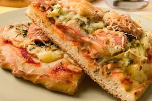Пицца с сардельками
