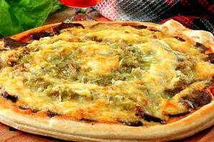 Пицца с печенью и капустой