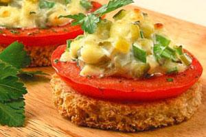 Бутерброды горячие с салатом
