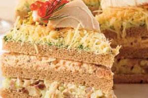 Бутербродный торт с осетриной