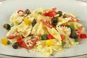 Салат с «бантиками»