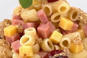 Салат с макаронными изделиями