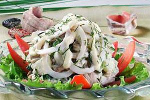 Салат грибной с кальмарами