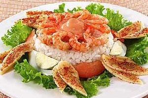 Салат из креветок с рисом