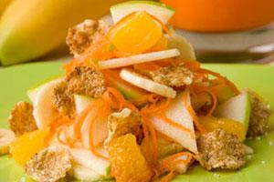 Салат морковный с фруктами