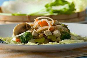 Салат с овощами и тофу