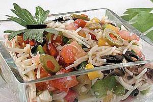Салат вермишелевый с тунцом