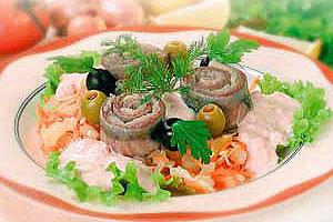 Салат «Экзотика» из малосольной сельди