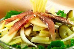 Салат картофельный с сельдью (2)