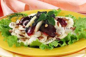Салат с маковой заправкой