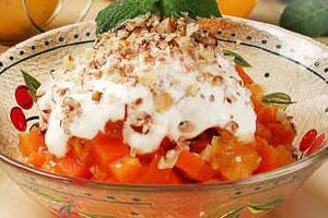 Салат морковный с курагой и апельсинами