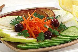 Салат летний с фруктами