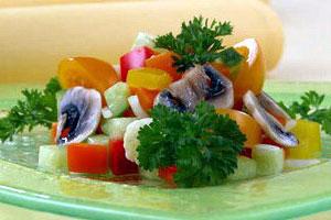 Салат овощной с шампиньонами