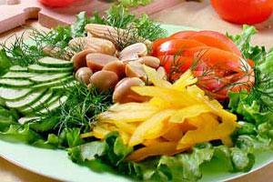 Салат грибной с овощами