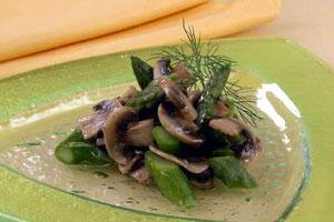 Салат с шампиньонами и спаржей