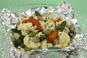 Теплый овощной салат с грибами