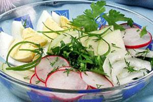Пестрый весенний салат