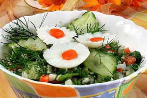 Салат из календулы