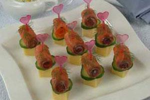Рулетики из копченого лосося с сыром (2)