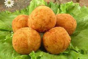 «Орешки» из сыра — закуска горячая