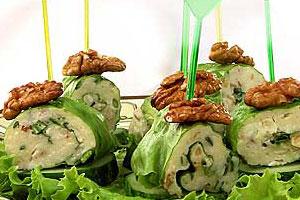 Рулетики из салата с сыром и орехами
