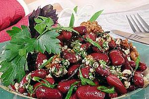 Фасоль красная с ореховым соусом