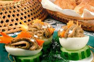 Яйца, фаршированные печенкой