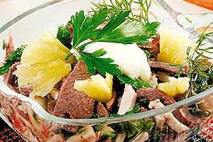 Оригинальный салат из домашней птицы
