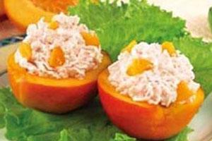 Персики с крабами