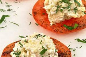 Закуска сырная на помидорах