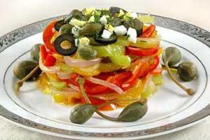 Перец с каперсами и маслинами