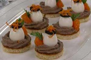 Тортики с перепелиными яйцами